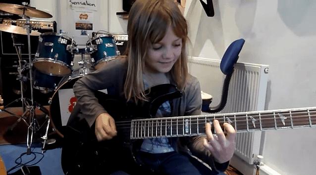 8-jährige zeigt dir, warum du nicht mehr anfangen brauchst, Gitarre spielen zu lernen | Musik | Was is hier eigentlich los?