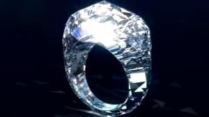 Ein Diamantring komplett aus .. naja ... Diamant halt | Mädchenkram | Was is hier eigentlich los? | wihel.de