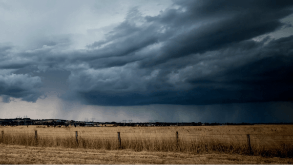 Timelapse: Chasing the storm - Schlechtwetter