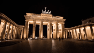 Timelapse: Nightvision - Timelapse Of Famous European Buildings | Awesome | Was is hier eigentlich los? | wihel.de
