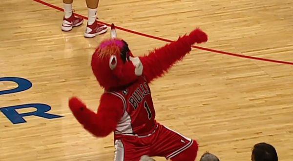 Benny, das Maskottchen der Chicago Bulls