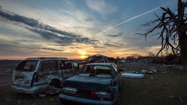 Timelapse: After the Storm: Washington, Illinois | Timelapse | Was is hier eigentlich los?