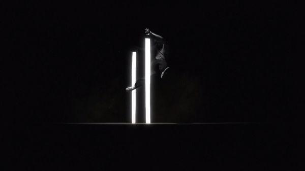 Nuance - Ein Tanz & Kampf mit Licht | Musik | Was is hier eigentlich los?