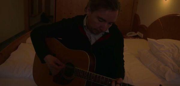 Olli Schulz – Du hattest Recht mit dem Ende von Lost | Musik | Was is hier eigentlich los?