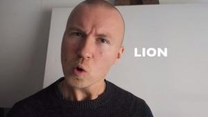 Weltrekord: 155 Walnüsse mit dem Kopf knacken | WTF | Was is hier eigentlich los?