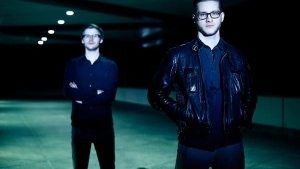 Julian Leucht - Blue Motel | Musik | Was is hier eigentlich los? | wihel.de