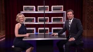 Jennifer Lawrence und Jimmy Fallon spielen