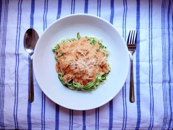 Line, koch doch mal... Zucchininudeln mit Tomaten-Frischkäse-Soße
