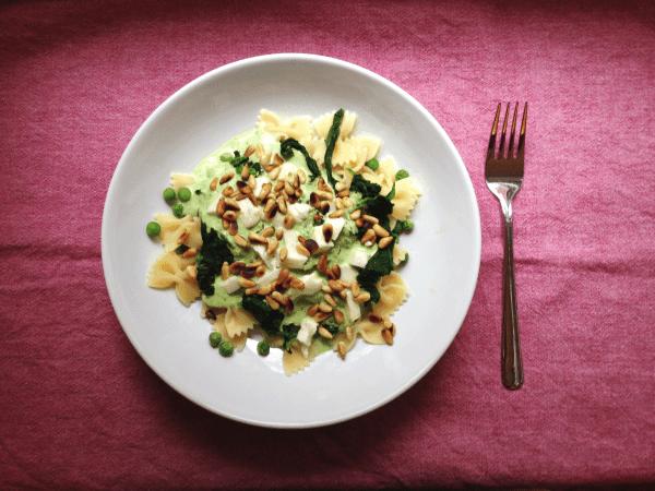 Line, koch doch mal... Nudeln mit Erbsen in Knoblauch-Joghurtsoße (Vegetarisch) | Line kocht | Was is hier eigentlich los? | wihel.de