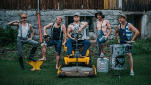 Die Finnen covern Thunderstruck | Musik | Was is hier eigentlich los? | wihel.de