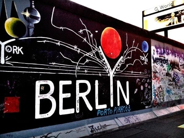 Line, sag mal was zu... Berlin | Kolumne | Was is hier eigentlich los? | wihel.de