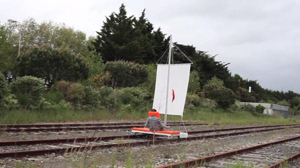 Der Bahn ein Schnippchen geschlagen: Das DIY Schienenfahrzeug | Gadgets | Was is hier eigentlich los?