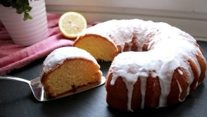 Line, back doch mal... Zitronen Joghurt Kuchen | Line backt | Was is hier eigentlich los?