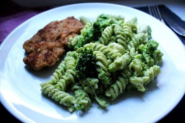 Line, koch doch mal... Pasta mit Brokkolipesto und Minischnitzeln