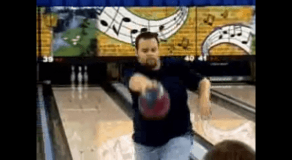 Der Rückwärts-Bowling-Profi
