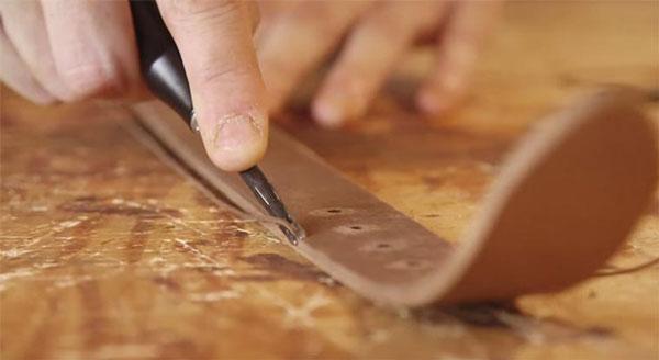 Die Herstellung eines handgefertigten Ledergürtels | Handwerk | Was is hier eigentlich los?