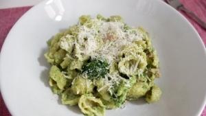 Line, koch doch mal... Orechiette mit Brokkoli-Pistazien-Pesto und Salsicce | Line kocht | Was is hier eigentlich los? | wihel.de