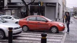 Wie man erfolgreich gegen idiotische Autofahrer demonstriert | Geschichten aus'm Alltag | Was is hier eigentlich los? | wihel.de