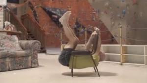 Der mit dem Stuhl trainert | Awesome | Was is hier eigentlich los? | wihel.de