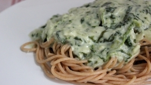 Line kocht: Vollkornpasta mit Gorgonzola-Spinat-Soße | Line kocht | Was is hier eigentlich los?