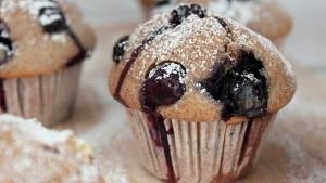 Line backt: Vollkorn-Muffins mit Blaubeeren und Äpfeln | Line backt | Was is hier eigentlich los? | wihel.de