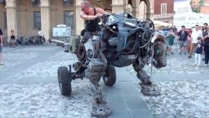 Lyle Rowell und sein mechanisches Monster | Nerd-Kram | Was is hier eigentlich los? | wihel.de