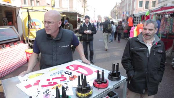 Henry van Horst, der Preisschildmacher von Amsterdam | Design/Kunst | Was is hier eigentlich los?