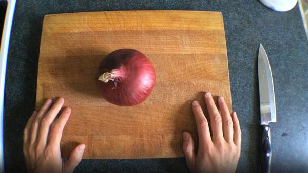 7 Wege, eine Zwiebel zu schneiden