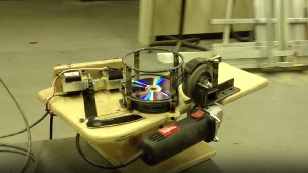 Die CD Gun | Gadgets | Was is hier eigentlich los?