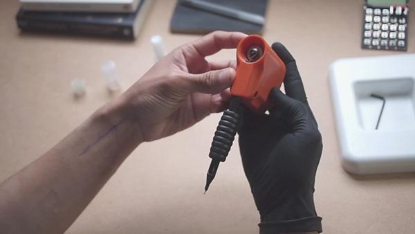 Eine Tattoomaschine für zu Hause | Gadgets | Was is hier eigentlich los? | wihel.de