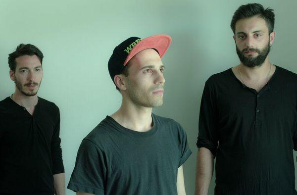 Emmecosta - Brontos | Musik | Was is hier eigentlich los? | wihel.de