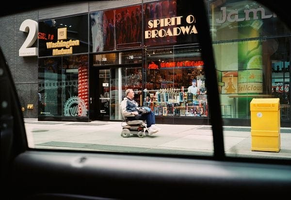 New York from a Cab - Tolle Bilder von Paul Murphy