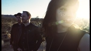 CHVRCHES - Leave A Trace | Musik | Was is hier eigentlich los?