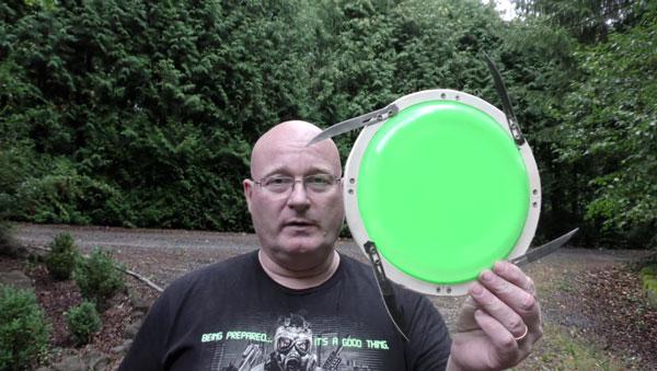 Das Scalpel Blade Frisbee von Jörg Sprave | Gadgets | Was is hier eigentlich los?