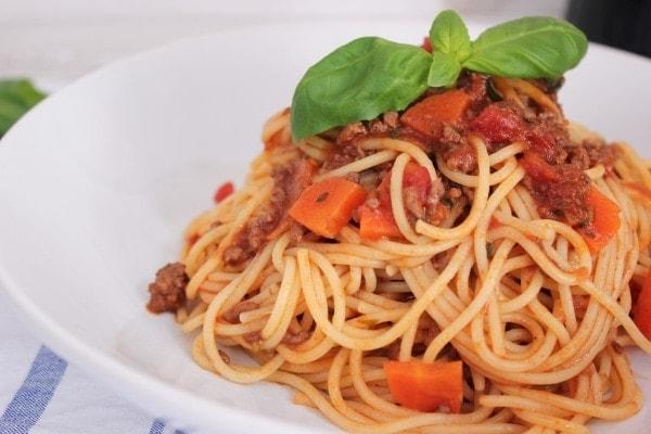 Line kocht: Spaghetti Bolognese mit Rotwein | Line kocht | Was is hier eigentlich los? | wihel.de