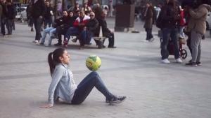 Lisa Freestyle - Der weibliche Christiano Ronaldo | Awesome | Was is hier eigentlich los? | wihel.de