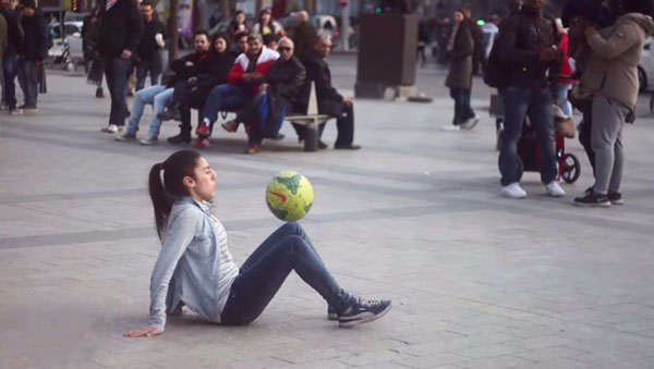 Lisa Freestyle - Der weibliche Christiano Ronaldo | Awesome | Was is hier eigentlich los?