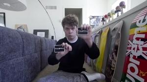 Floating Cards von Zach Mueller | Awesome | Was is hier eigentlich los? | wihel.de