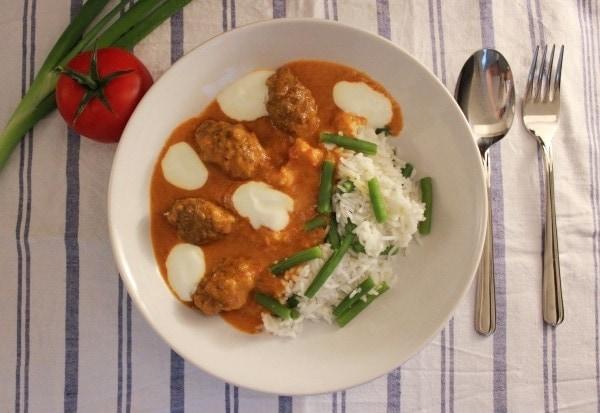 Line kocht: Hackröllchen mit Curry und Gemüsereis
