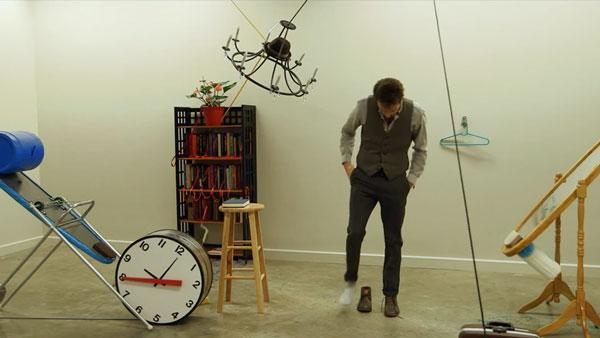The Dresser: Anziehen per Rube-Goldberg-Maschine | Awesome | Was is hier eigentlich los? | wihel.de