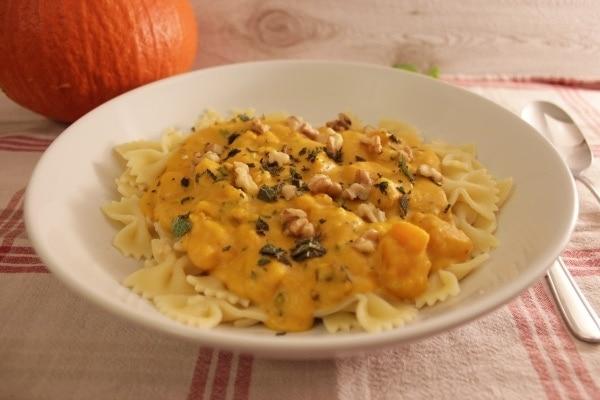 Line kocht: Pasta mit cremiger Kürbis-Gorgonzola-Soße | Line kocht | Was is hier eigentlich los? | wihel.de