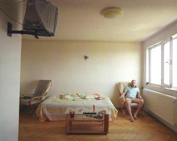 Individuell identische Räume von Bogdan Gîrbovan