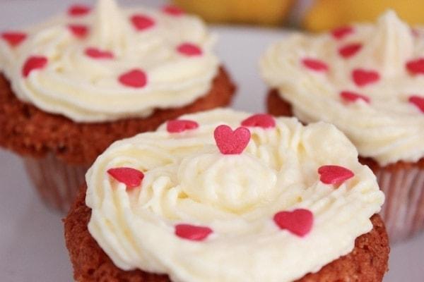 Line backt Mandel-Zitronen-Cupcakes | Line backt | Was is hier eigentlich los?
