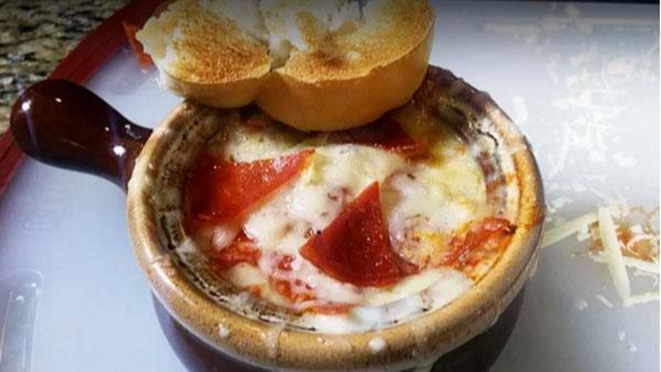 Ein Traum: Pizza-Suppe | Essen und Trinken | Was is hier eigentlich los?