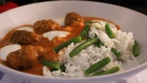 Line kocht fixes Curry mit Hackröllchen und Gemüsereis | Line kocht | Was is hier eigentlich los? | wihel.de