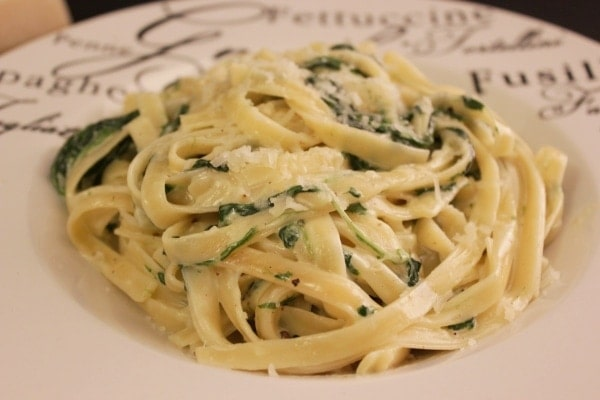 Line kocht Tagliatelle mit Blattspinat, Mascarpone und Parmesan | Line kocht | Was is hier eigentlich los?