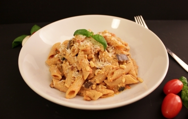 Line kocht Vollkornpasta mit Aubergine, Tomaten und Ricotta | Line kocht | Was is hier eigentlich los?