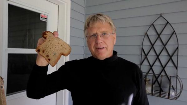 Low Carb-Brot als Putzschwamm