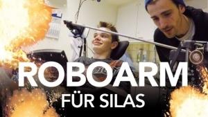 Fynn Kliemann und der Roboterarm für Silas | Menschen | Was is hier eigentlich los? | wihel.de