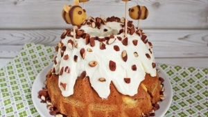 Line backt Möhren-Cheesecake-Gugelhupf mit gerösteten Mandeln | Line backt | Was is hier eigentlich los? | wihel.de